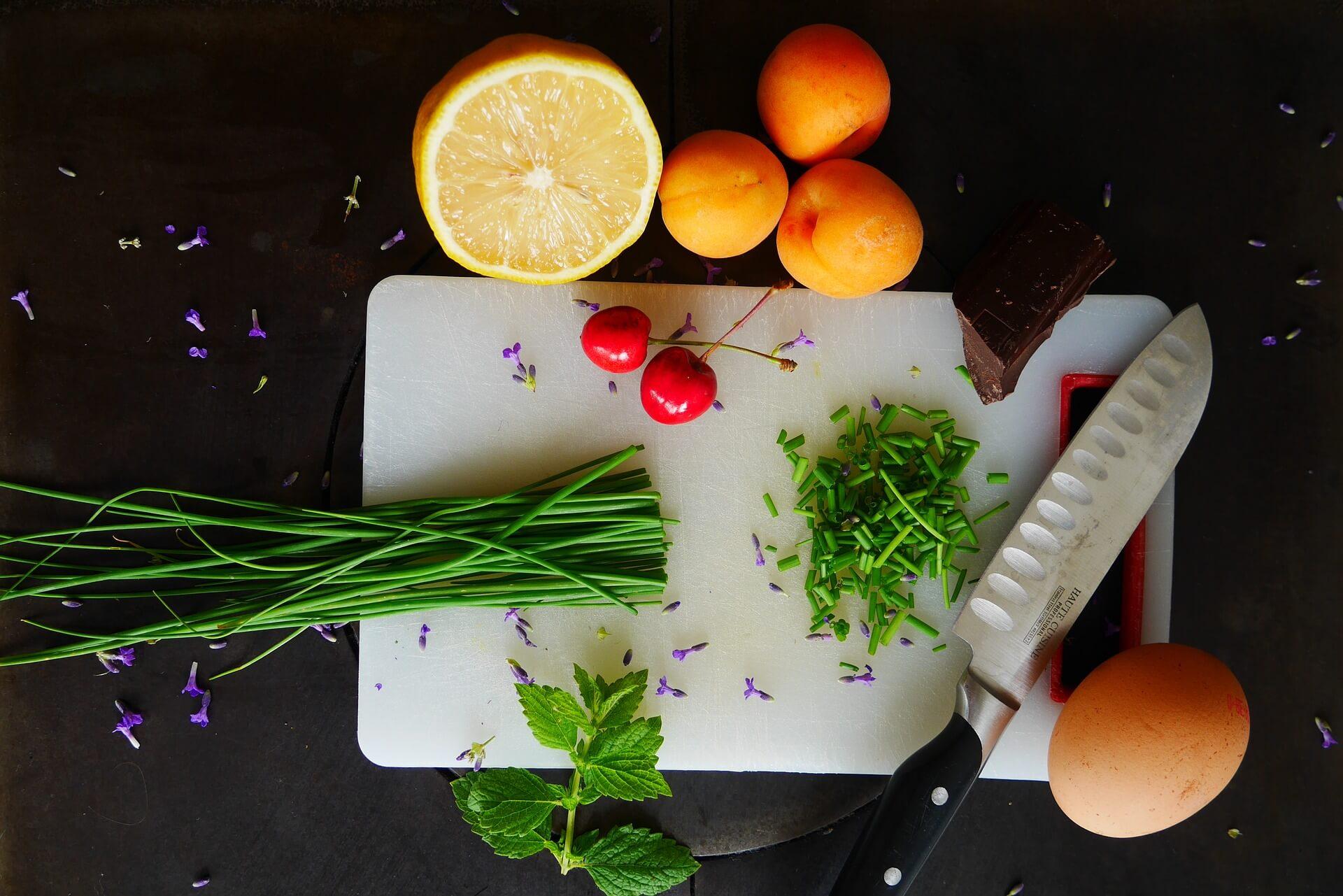 Warzywa-i-owoce-jako-kolorowe-posilki