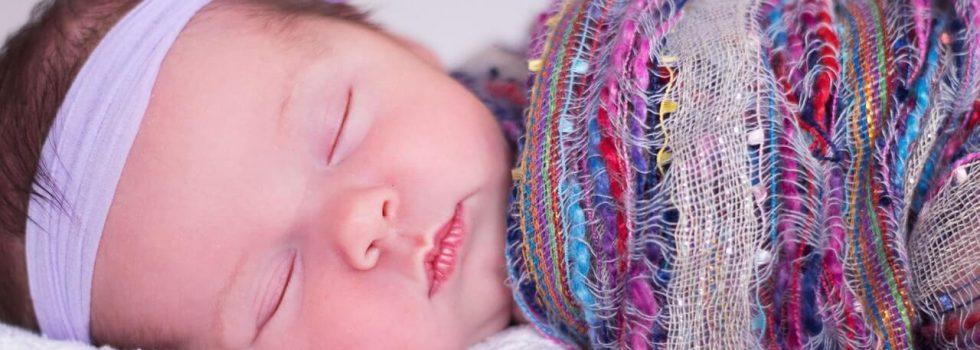 Jak ubierać niemowlaka na noc?